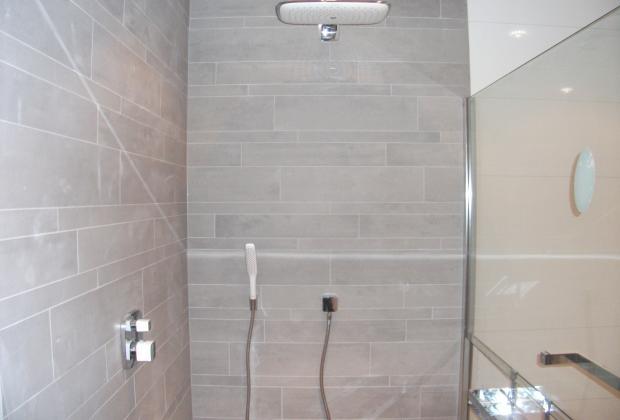 Badkamer plaatsen van belzen montage - Italiaanse design badkamer ...